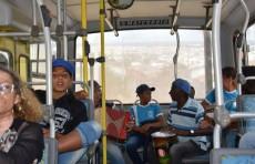 Ônibus da SMED transportando alunos, professores e moradores do Povoado de Cabeceira para a abertura da 16ª Semana Nacional de Museus
